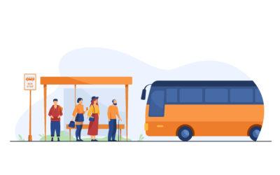 attente à l'arrêt de bus